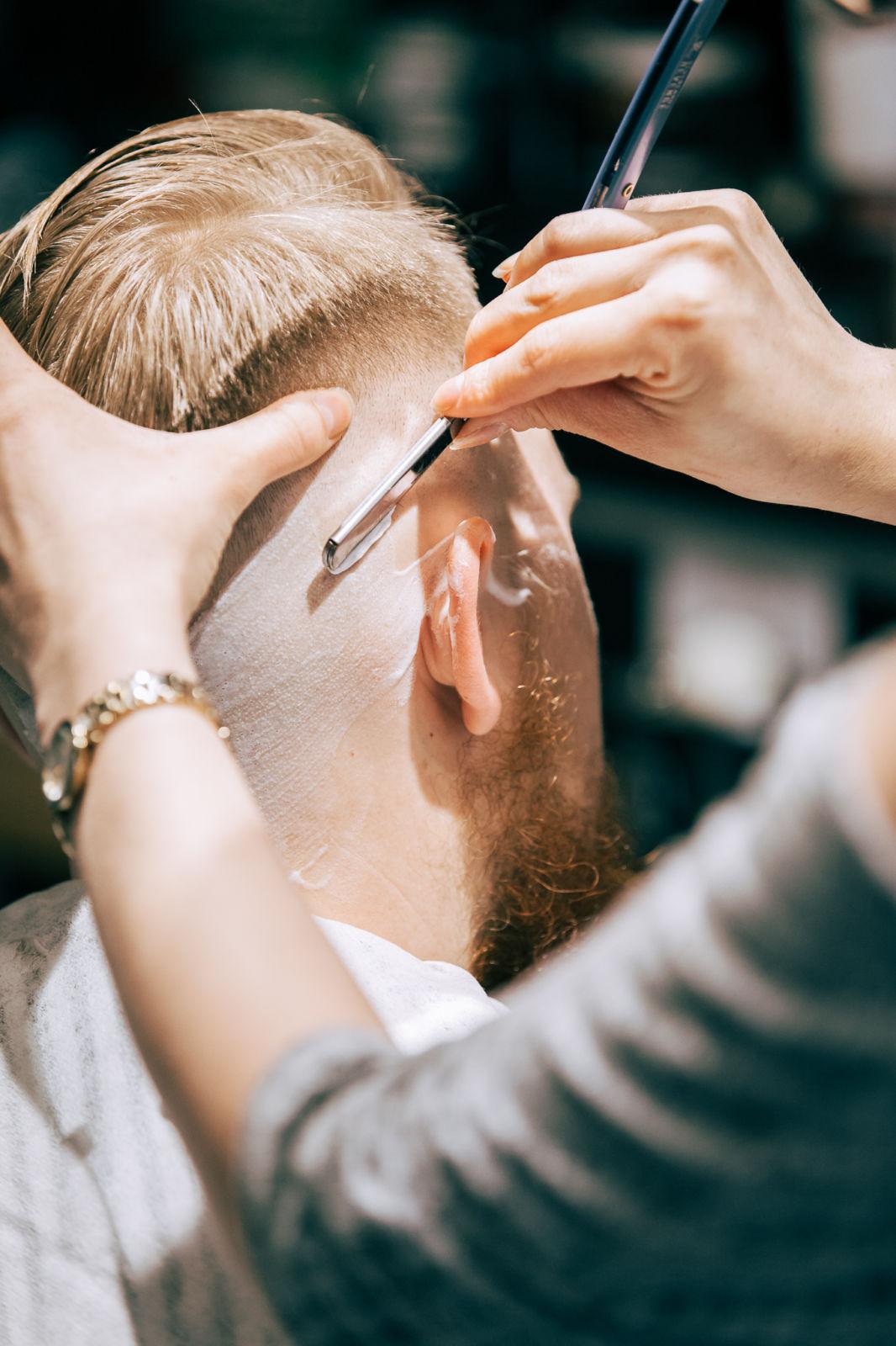 Tuotekuva: Special – hiustenleikkaus (45min)