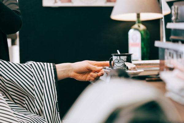 miehelle lahjaksi täyden palvelun hiustenleikkaus