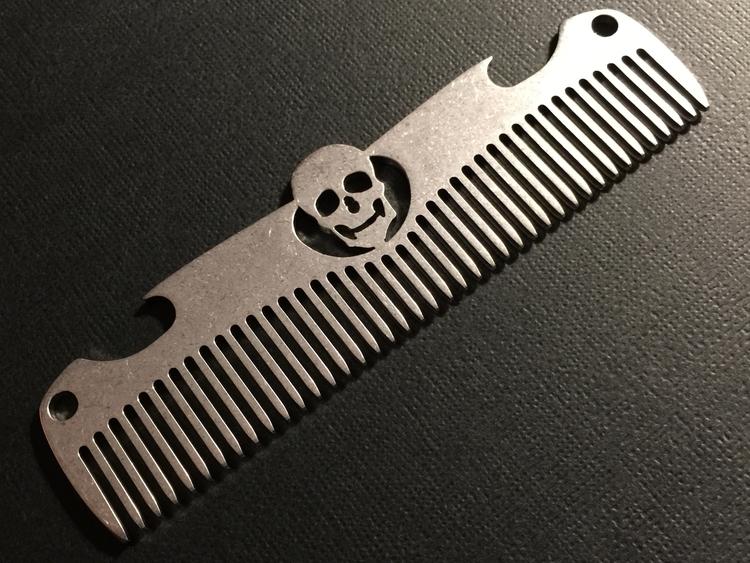 Tuotekuva: Metal Comb Works Skull Opener – metallikampa